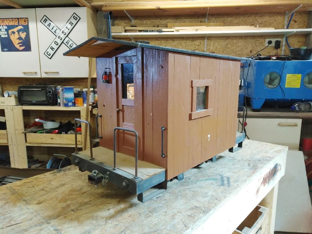 MLC] Rebuild of caboose #7 to 1:7-scale – Waldbahner's Blog